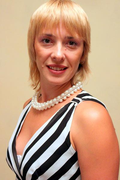 Oksana sucht wie viele ukrainische und russische Frauen eine Partner ...