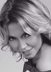 Ksenia, (35), aus Osteuropa ist Single