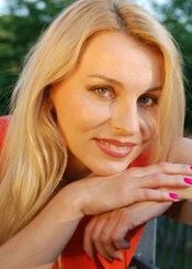 Victoria, (36), aus Osteuropa ist Single