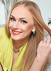 Ksenia, (40), aus Osteuropa ist Single