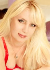 Viktoria, (42), aus Osteuropa ist Single