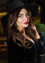 Mila, (27), aus Osteuropa ist Single