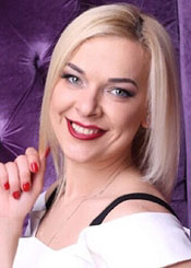 Alyona, (34), aus Osteuropa ist Single