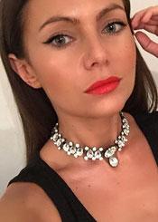 Julia, (36), aus Osteuropa ist Single