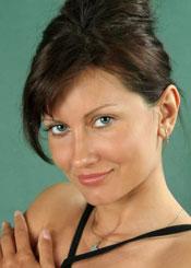 Nelya, (40), aus Osteuropa ist Single