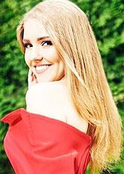 Tatiana, (22), aus Osteuropa ist Single