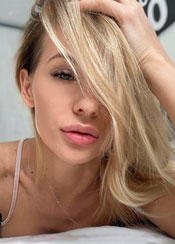 Alla, (29), aus Osteuropa ist Single