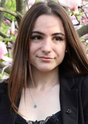 Bogdana, (18), aus Osteuropa ist Single