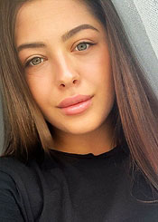 Yulia, (25), aus Osteuropa ist Single