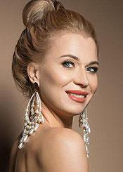 Elena, (35), de Europa del Este es soltera