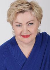 Irina, (55), de Europa del Este es soltera