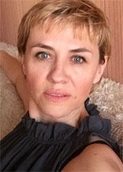 Lilia, (50), aus Osteuropa ist Single