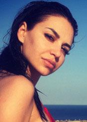 Suzanna, (34), aus Osteuropa ist Single