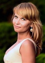 Natalya, (42), aus Osteuropa ist Single