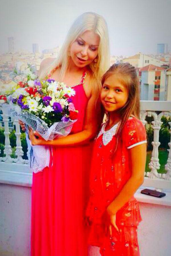 Ukrainische Frauen Partnervermittlung Elena eine hübsche ukrainische Frau, Foto (3)