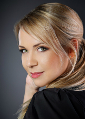 Anzhela eine ukrainische Frau