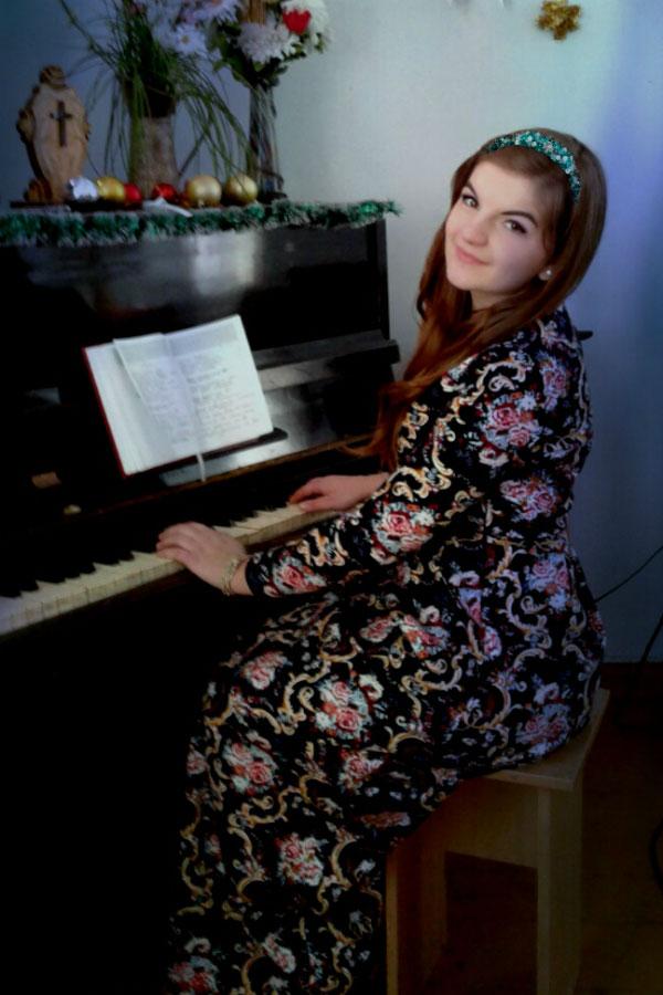 Ukrainische Frauen Partnervermittlung Ksenia eine hübsche ukrainische Frau, Foto (5)