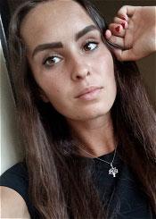 Snezhana, (24), eine ukrainische Frau