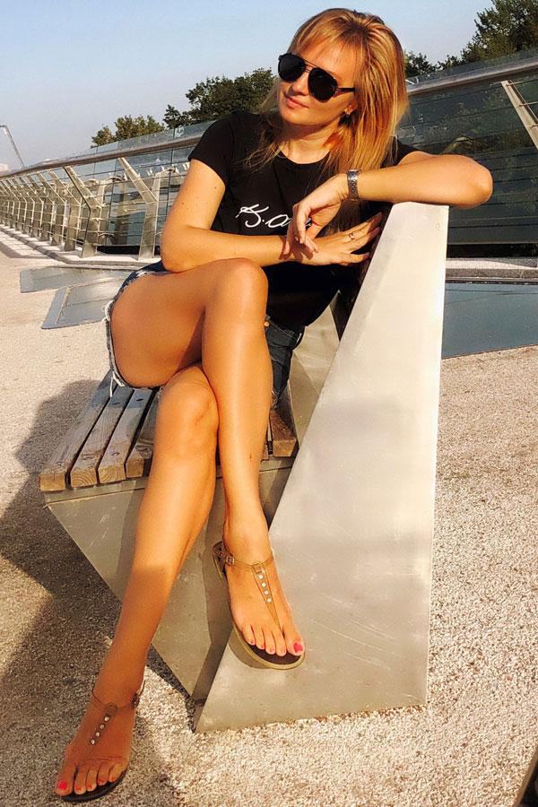 Ukrainische Frauen Partnervermittlung Karina eine hübsche ukrainische Frau, Foto (1)