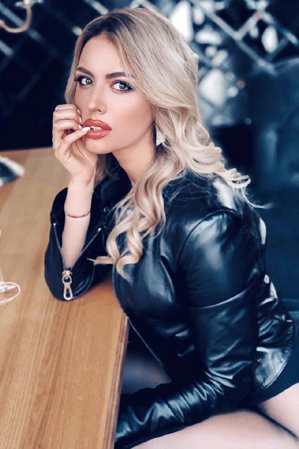 Ukrainische Frauen Partnervermittlung Natalia eine hübsche ukrainische Frau, Foto (1)