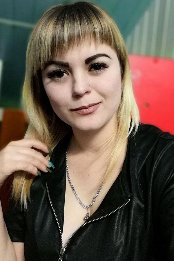 Ukrainische Frauen Partnervermittlung Alena eine hübsche ukrainische Frau, Foto (1)