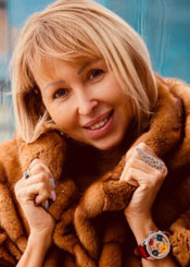 Elena, (51), eine ukrainische Frau