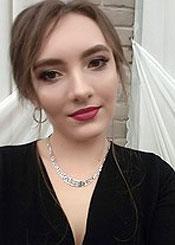 Yulia, (27), eine ukrainische Frau